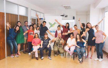 Yanely Hernández y Matías Alonso bajan el telón del 'Taller de Teatro Inclusivo' de Down Las Palmas y Fundación DISA