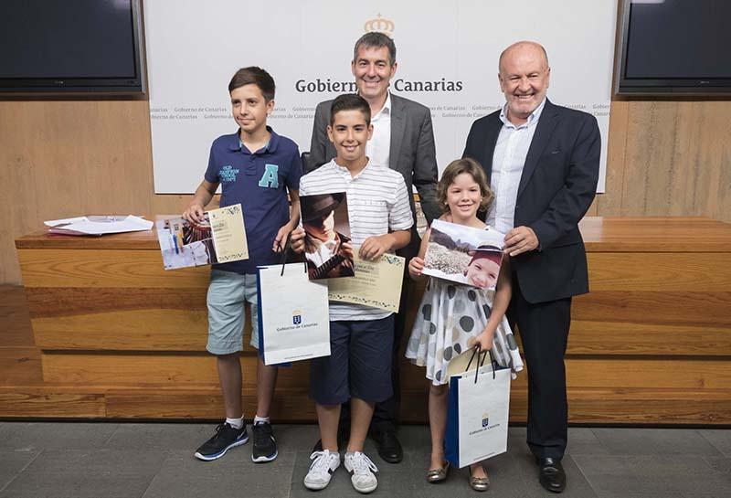 Marina García, Abián Ravelo y José Aray Barrios, ganadores del concurso fotográfico 'Así veo el Día de Canarias'
