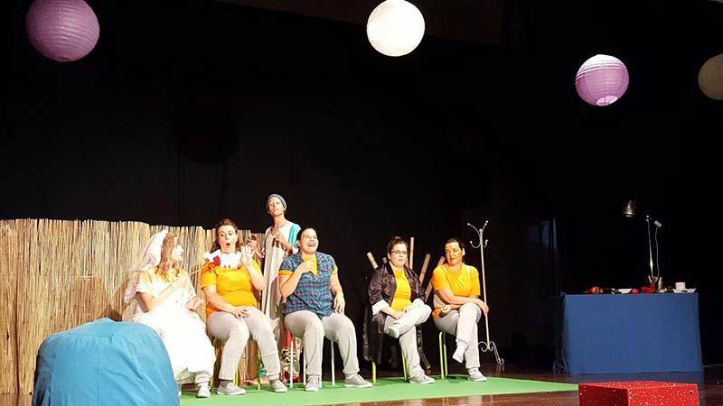 La nueva y original obra de Apeirón Teatro llega este viernes al Teatro Príncipe Felipe de Tegueste