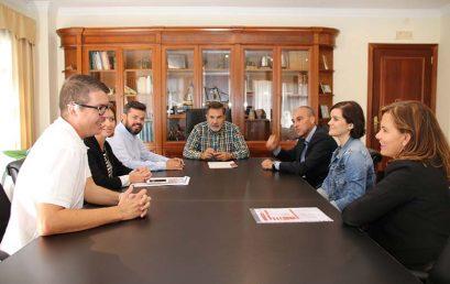 El Ayuntamiento de Adeje y Cruz Roja firman un convenio para ofrecer cursos de formación en seguridad