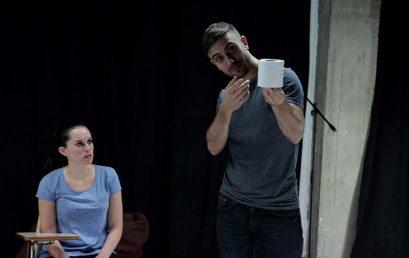 Llega a Canarias Papel, la producción teatral que remueve conciencias sobre el acoso escolar
