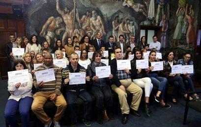 Sinpromi y La Caixa entregan los diplomas de formación a 48 personas con dificultades de integración laboral