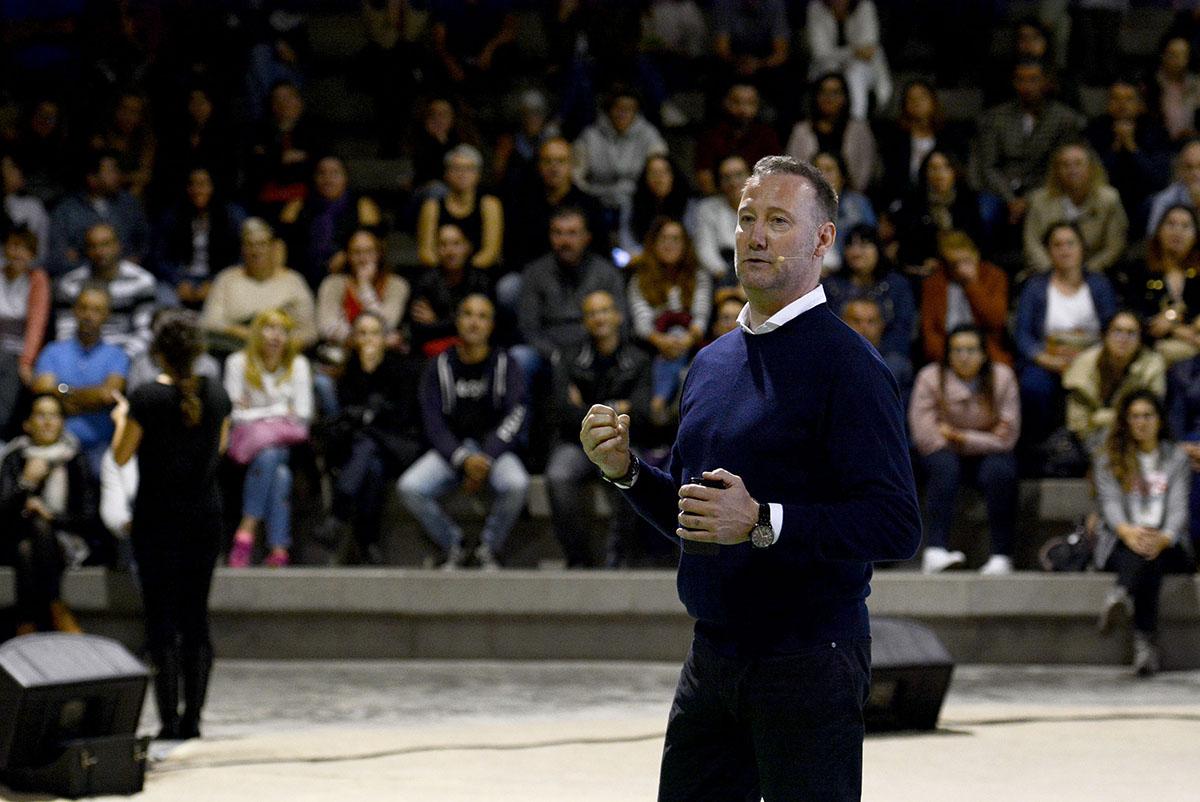 Pedro García Aguado lidera 'Aprender a Educar', una novedosa jornada formativa en La Orotava